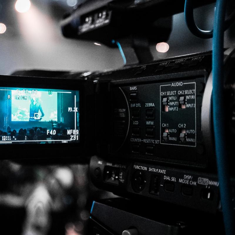 screenplay_contest_movie_camera